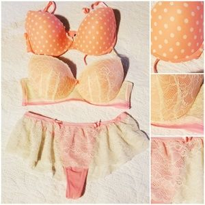 Bundle of peach pretties Bras-36D, large panties